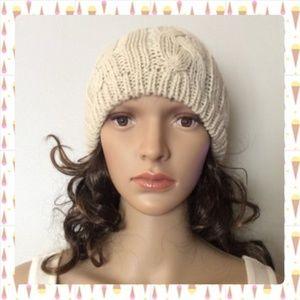 Twenty One Women's Knitted Hat Sz OS